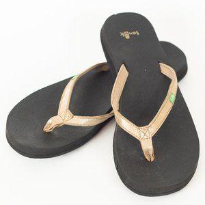 Sanuk Yoga Joy Metallic Gold Sandal Flip Flop
